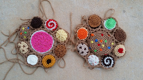 A crochet cookie bag-to-be