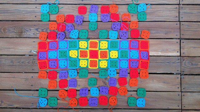 crochet squares with ends to be woven in