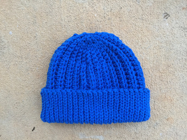 One variation on the theme: A seafarer's crochet cap for a child