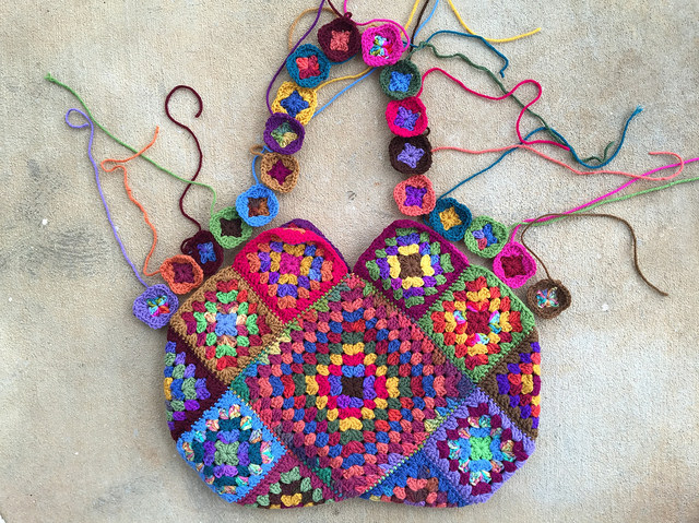 Crochet Side Bags : Inching forward on the granny square bag - Crochetbug