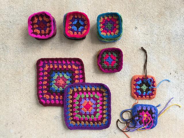 crochet granny squares for a crochet bag