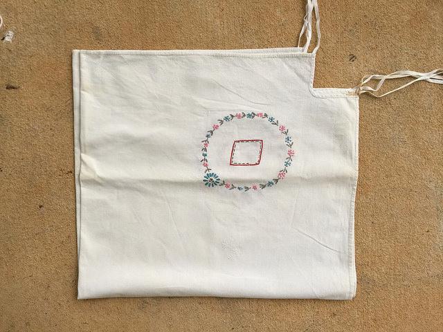 diamond corner embroidered card table tablecloth, crochetbug, crochet inspiration