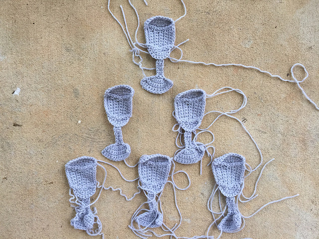 water tumbler crochet motifs with ends to weave in
