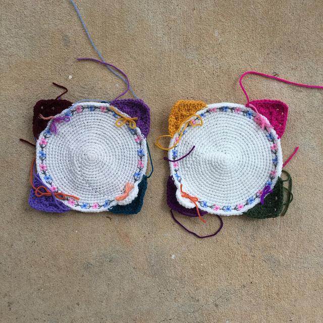 The crochet circle centers of two future crochet square corners