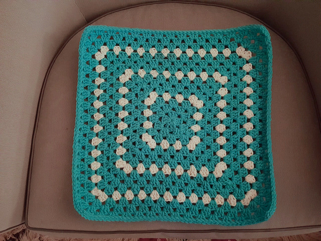 crochet granny square pet mat