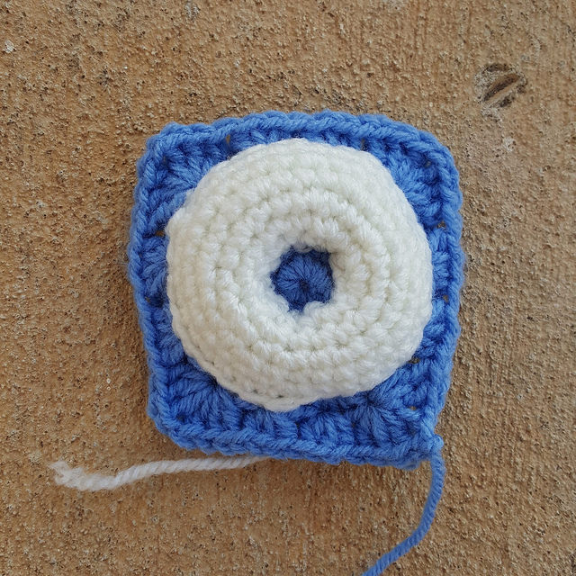crochet donut granny square prototype