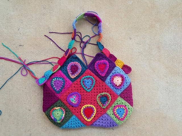 heart festooned crochet bag