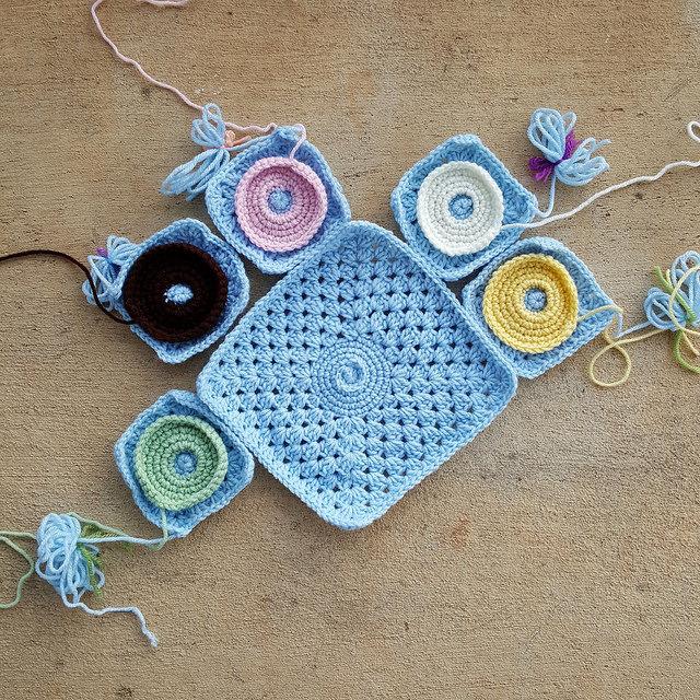 crochet donuts for a crochet bag