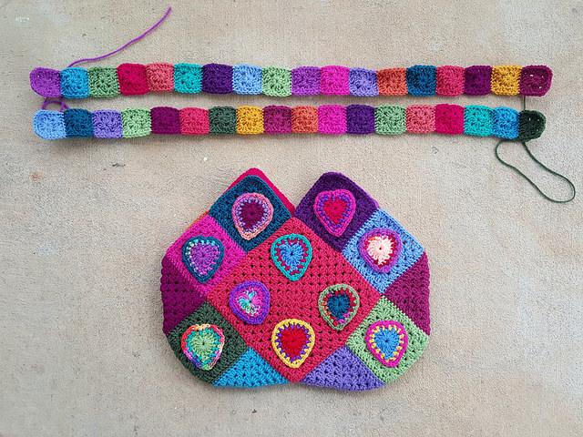 crochet straps for a granny square purse