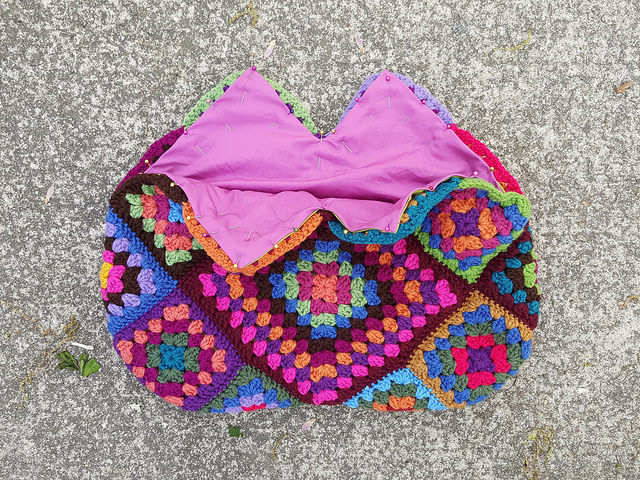 fabric lined crochet purse