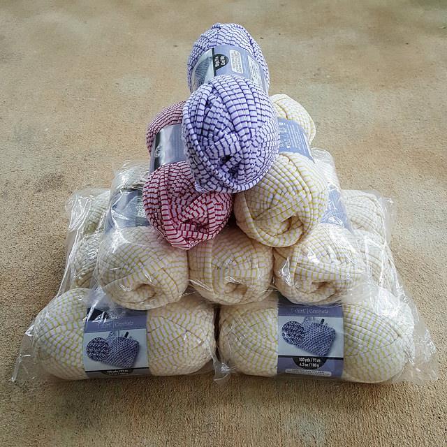 Yarn archives crochetbug for Bernat t shirt yarn