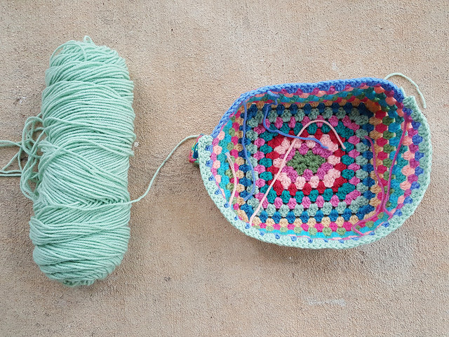 crochet lunch box