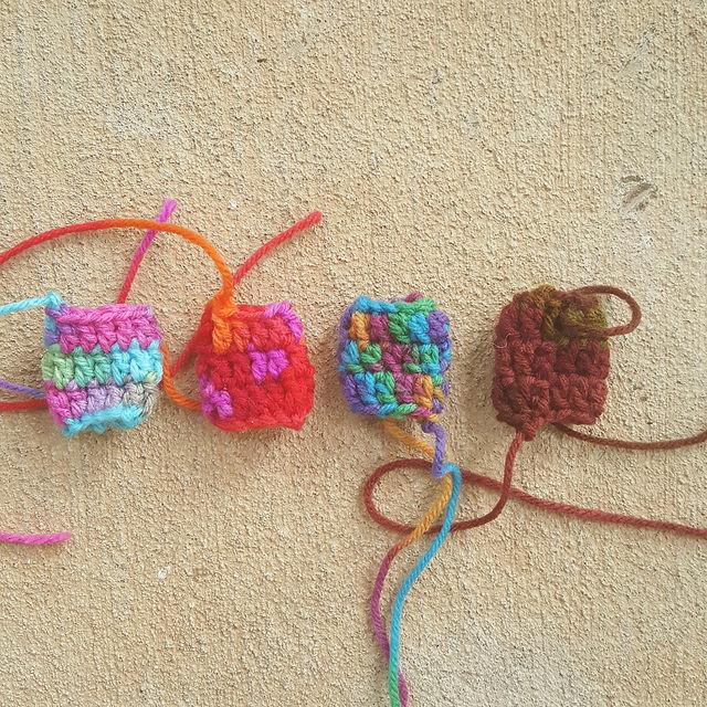 Four crochet tension regulators to be