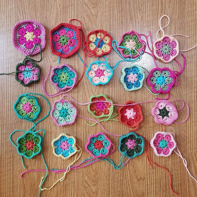 crochet hexagons for a crochet soccer ball
