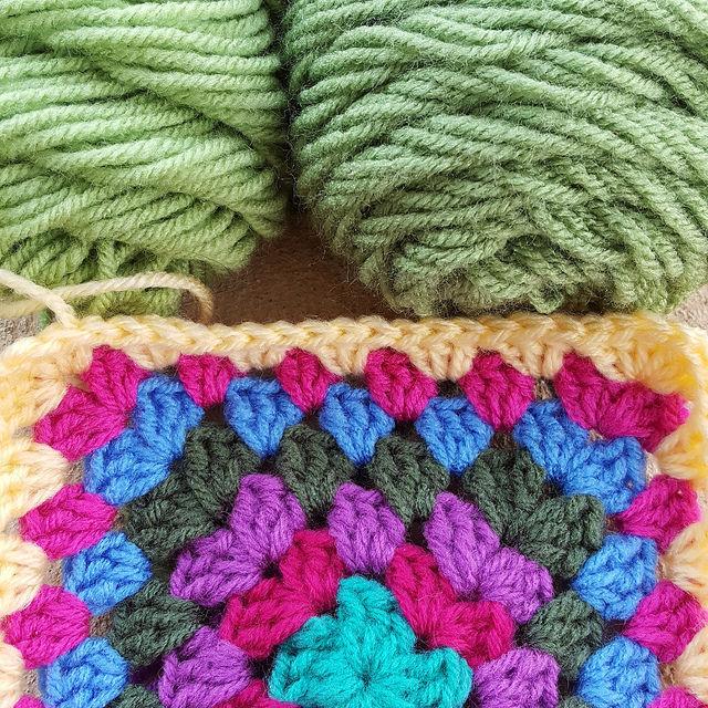 guava and tea leaf yarn