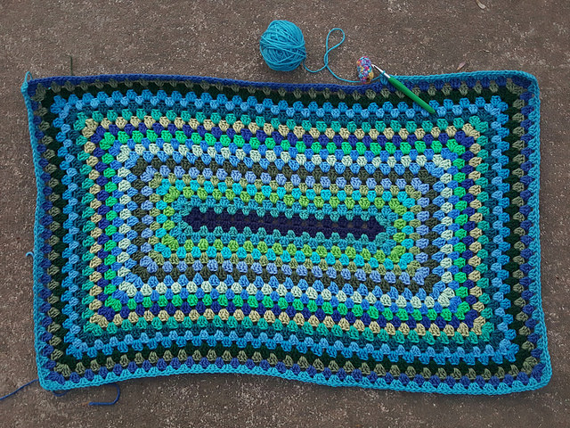crochet granny rectangle blanket