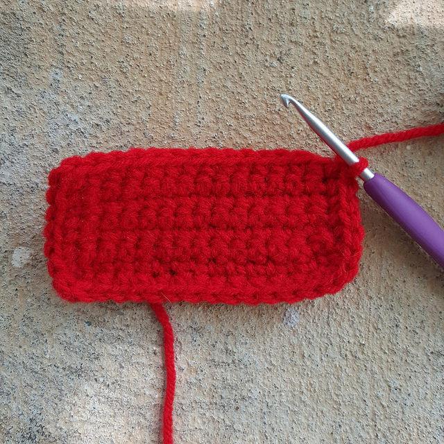 red crochet cat base