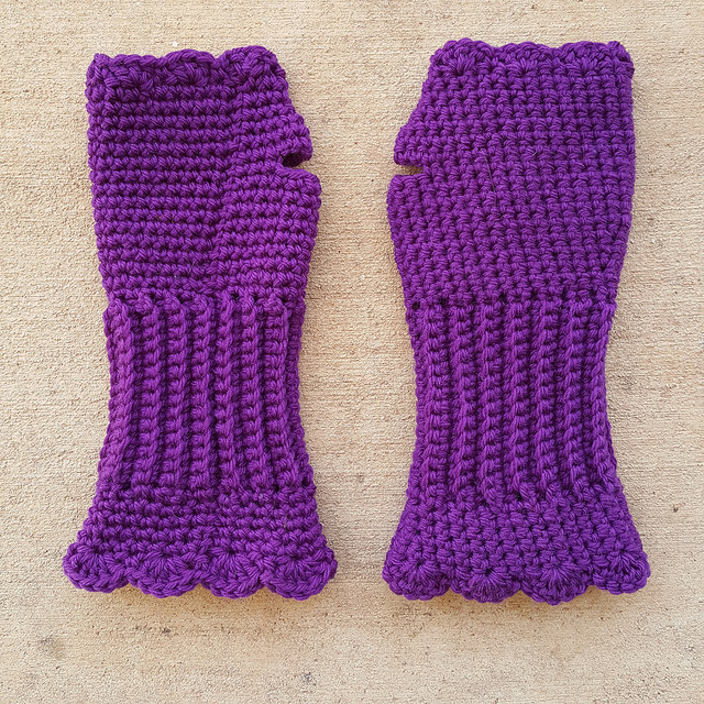 crochetbug, purple, violet, yarn stash, use what you have, waste not want not, fingerless crochet gloves, Victorian texting gloves