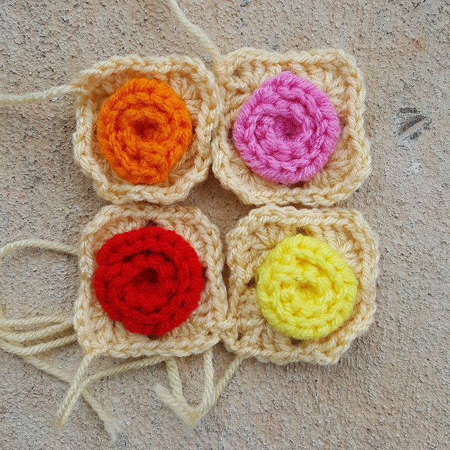 crochetbug, crochet squares, crochet roses, crochet hearts, crochet granny squares, project amigo