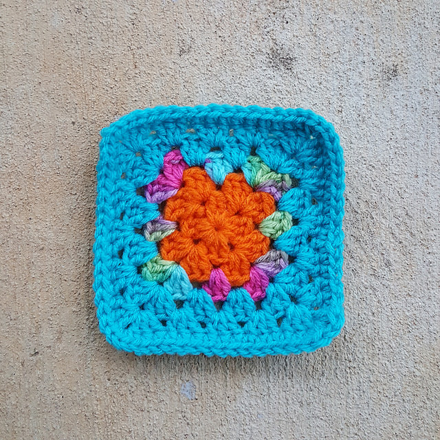 crochetbug, crochet square, granny square, crochet through the back bar
