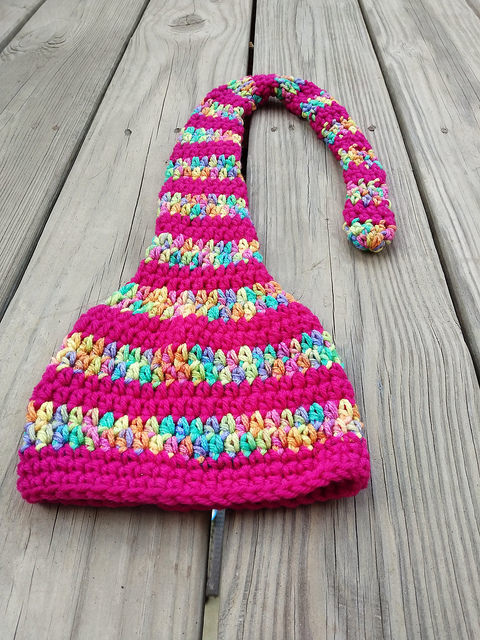 crochetbug, crochet hat, crochet stripes, crochet munchkin hat