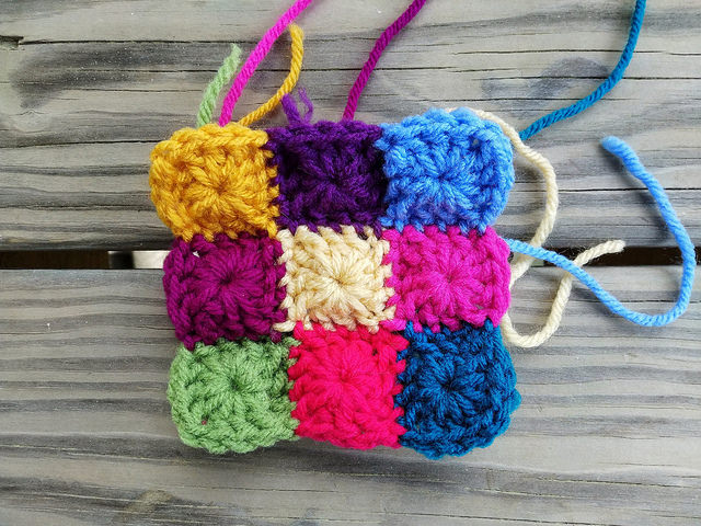 a nine patch of one round granny squares