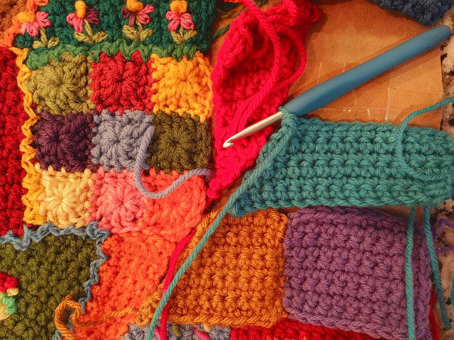 I start to fill in the gap with crochet crazy quilt pieces