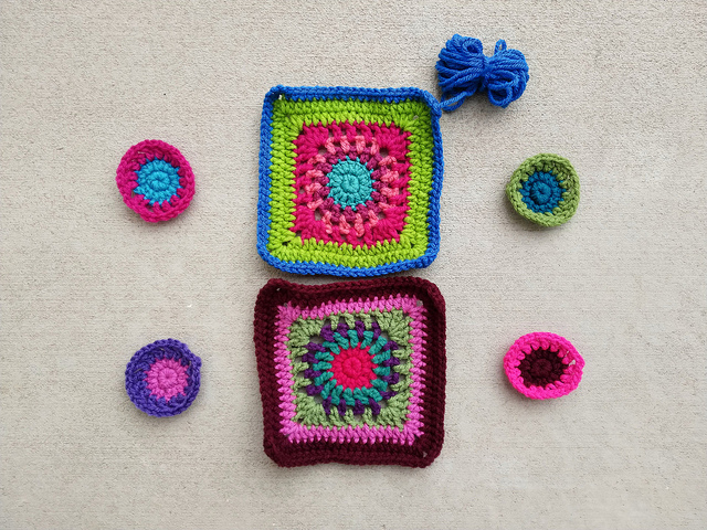 Continued progress on the granny squares for a crochet purse