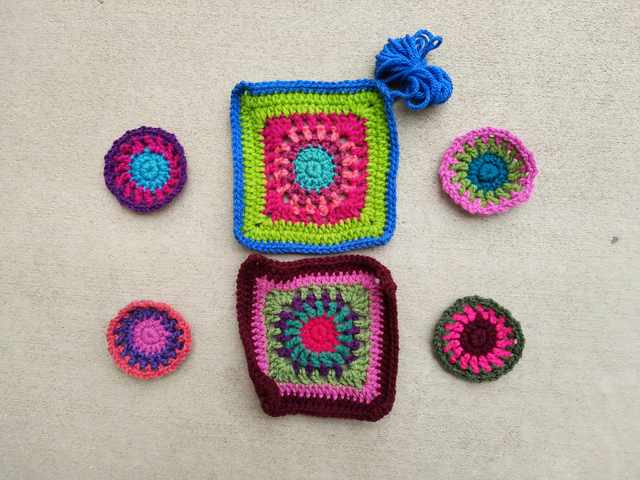 Still more progress on the granny squares for a crochet purse