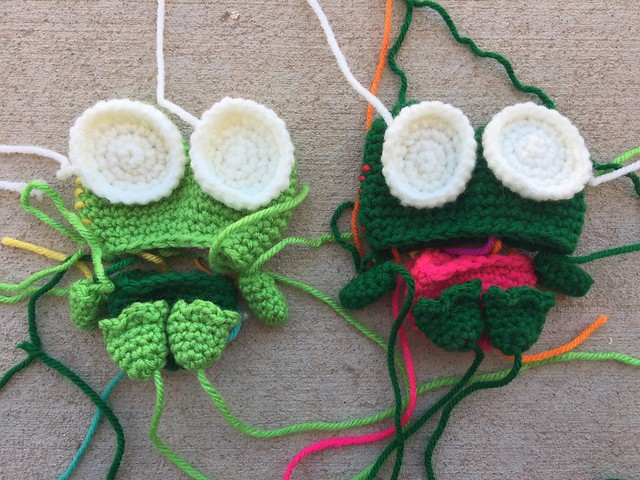 How to Add Faces to Your Amigurumi: Satin Stitch Embroidery ... | 480x640